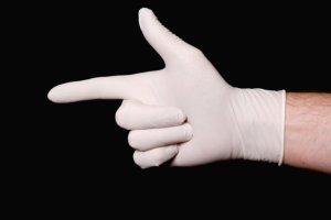Exame do toque retal dura apenas 15 segundos e salva vidas